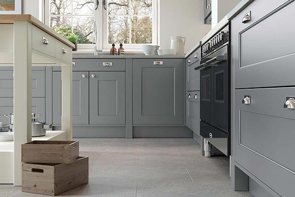 Dust Grey & Porcelain Shaker